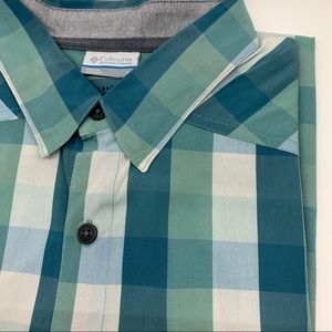 Columbia blue green plaid shirt sleeve shirt M